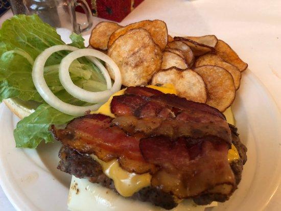 Harlem, Τζόρτζια: An Amazing Burger