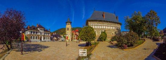 Piatra Neamt, Romania: getlstd_property_photo