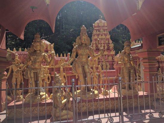 Geo Adventures: Seetha Amman temple in Seetha Eliya