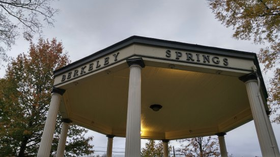 Berkeley Springs, WV: image 1