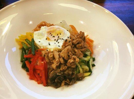 Bibimbap: Riso alle 7 verdure con Spicy BBQ Pork