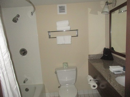 Charleston, WV: No complimentary shampoo/conditioner only bar soap and lotion