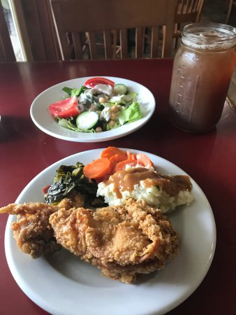 Indiantown, FL: Fried Chicken Buffet