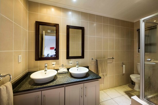 Barkly East, แอฟริกาใต้: Leisure Chalet Bathroom