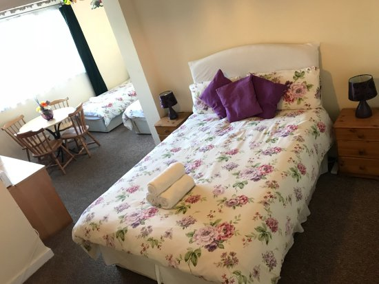 Entrance - Picture of Havering Guest House, Romford - Tripadvisor