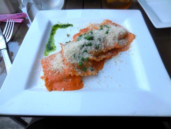 Cassariano Italian Eatery: Ravioli of the day