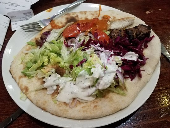 Zaytoon Restaurants: Kubideh kebab - delicious!