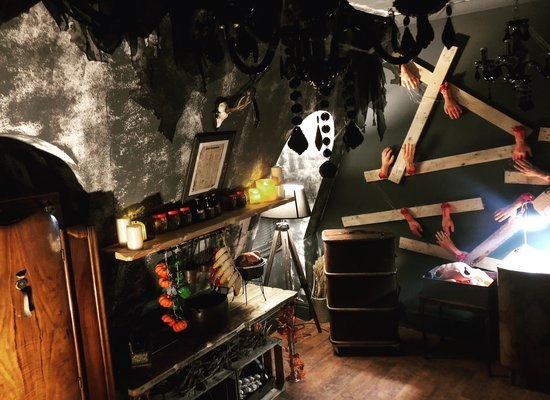 Locked In Escape Rooms Glasgow Review