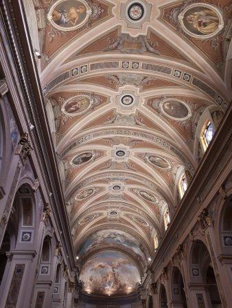 Busto Garolfo, Italy: La volta con la nuova illuminazione
