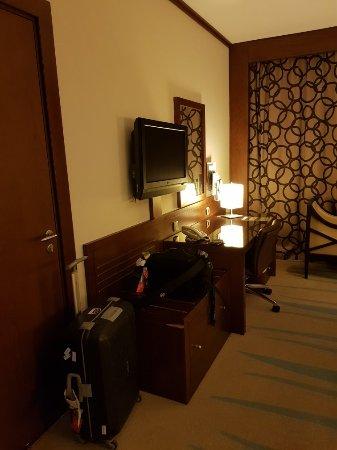 Holiday Inn Riyadh Izdihar : 20180130_215502_large.jpg