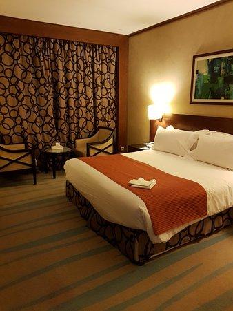 Holiday Inn Riyadh Izdihar : 20180130_215457_large.jpg