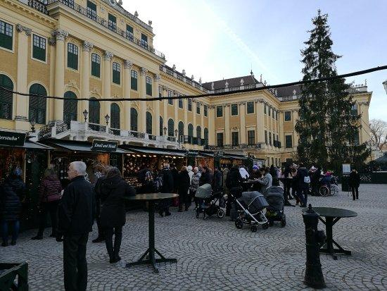 Kultur- und Weihnachtsmarkt Schloß Schönbrunn: Christmas  Market