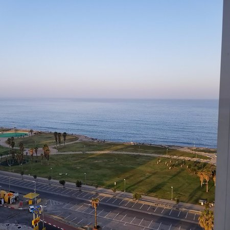 Dan Panorama Tel Aviv: A view of the Mediterranean from our room.