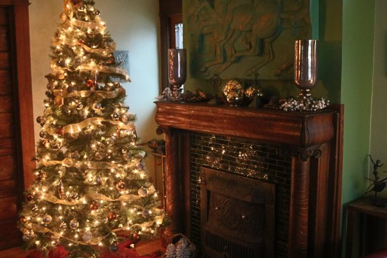 Hart, MI: Christmas at the inn