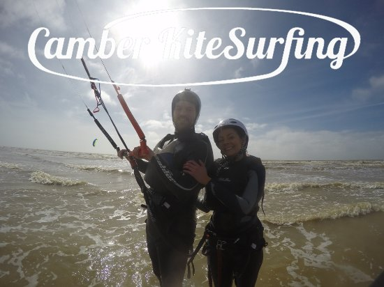 ‪‪Camber‬, UK: Happy kitesurfing students!‬