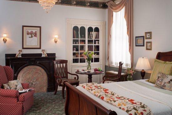Carlisle House Bed & Breakfast Photo