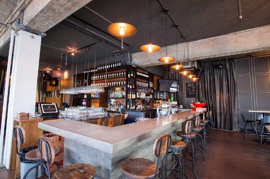 Centre Hotelier Deville: Le Bar le Groove, à quelques pas du Centre Hôtelier Deville.
