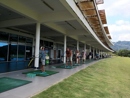 Chalong, Tailandia: Good golf academy in phuket. We teach many golfers. If you want to improve golf. Try to improve
