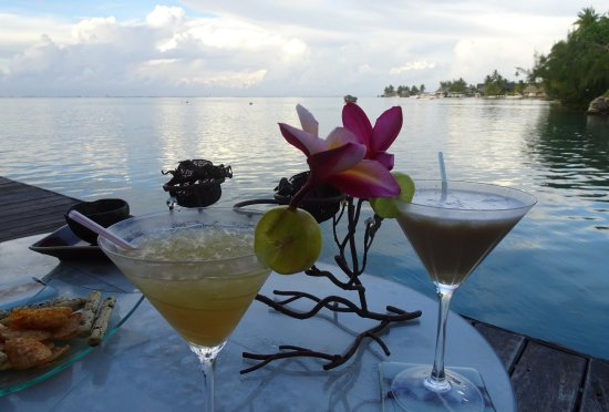Fenua Mata'i'oa: Dining on the deck