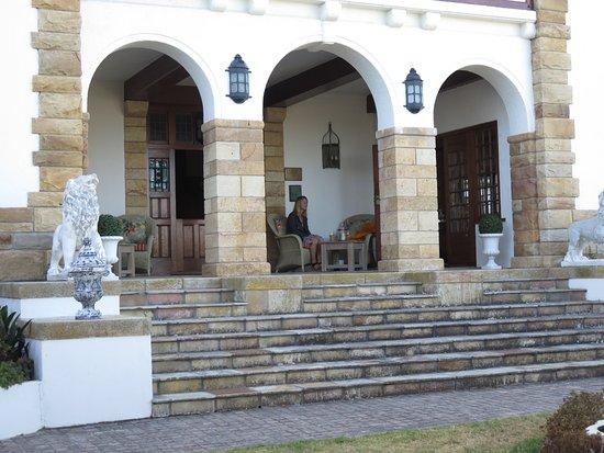St. James, Sudáfrica: Ett glas vin på en av flera altaner