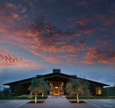 Dundee, OR: Domaine Roy & fils Winery