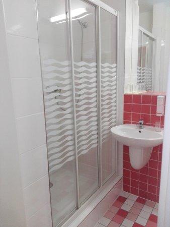 Avanti Hotel: Bagno e doccia