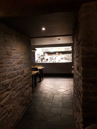 Llangattock, UK: Caution - Genius Chefs at Work!