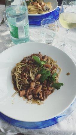 Mediterraneo: La gustosa spaghettata al nero di seppia