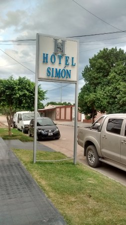 Frias, Argentina: frente del hotel