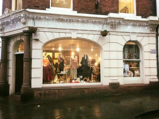 Ross-on-Wye, UK: Winter Day at Suzy'c, but wth the lights on and the great stock, its looking pretty good. xx