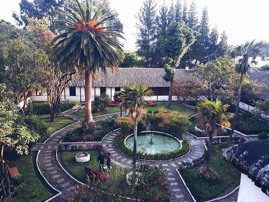 Lasso, Эквадор: Hermoso lugar es el centro o patio y alrededor las habitaciones