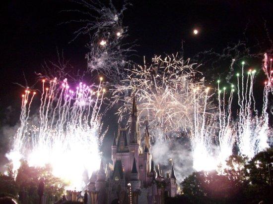 Fireworks At Cinderella S Castle Magic Kingdom Walt Disney World