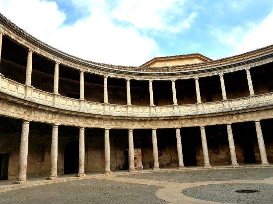 Palast von Karl V: Palace of Carlos V