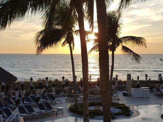 The Ritz-Carlton, Sarasota: Sunset begins