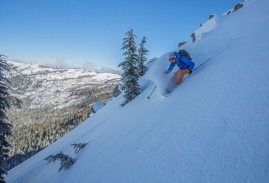 Olympic Valley, Californie : Ski untracked powder all winter long with professional ski guiding out of bounds!