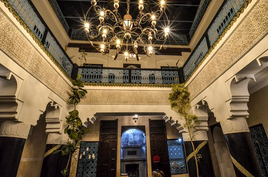 Riad Ben Tachfine ex Riad El mansour : la mille et une nuit au patio