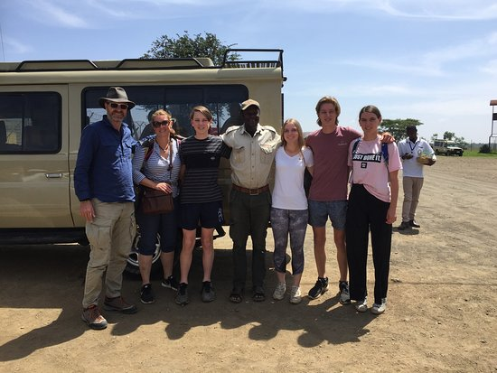 Safaris-R-Us: Family with Walter after 5 day Safari