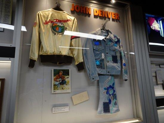 Statue to John Denver: John Denver