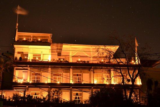 Hotel Pa Muelle: Hoy iniciamos la noche con veladoras, las estrellas relucían en la oscura noche.
