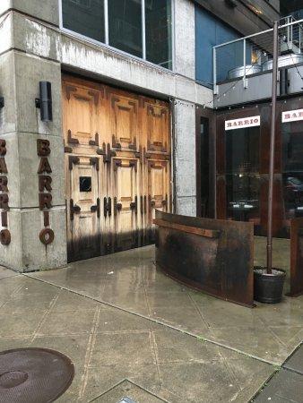 Barrio Mexican Kitchen & Bar: Barrio entrance