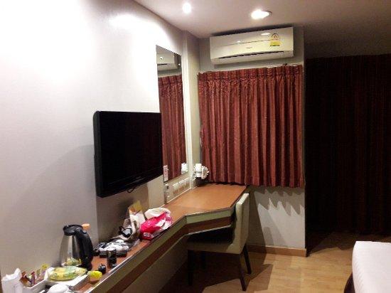 Bangkok Loft Inn: 20180203_214211_large.jpg
