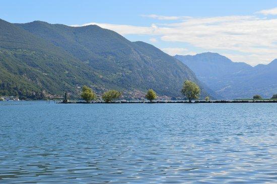 Lake Iseo, Italy: Panoramica, giugno 2016.