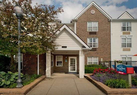 Middleburg Heights, OH: Exterior