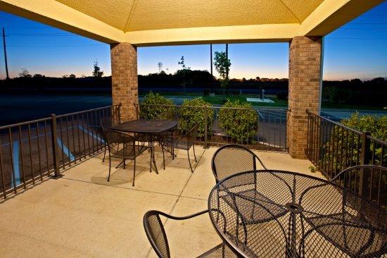 Greenwood, IN: Property amenity