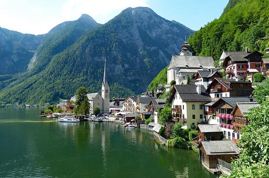 Private Customized Hallstatt Full Day...