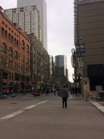 16th Street Mall: Daytime at the mall