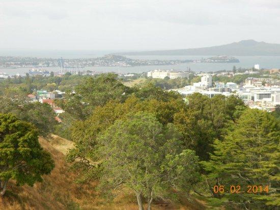 Mount Eden : 131383_10151954403918404_1137081980_o[1]_large.jpg