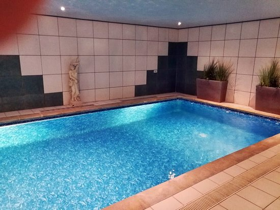 pool in the basement picture of best western au cheval blanc mulhouse nord baldersheim. Black Bedroom Furniture Sets. Home Design Ideas