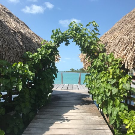 St. George's Caye, Belize: Pictures don't do it justice!