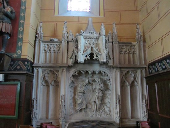 Cany-Barville, Franciaország: Eglise de Cany : Les fonds baptismaux ...